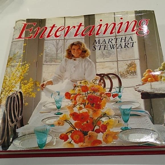 Martha Stewart Entertaining Cook Book